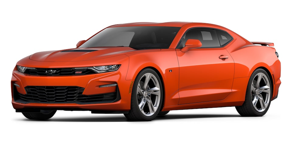 Chevrolet Camaro Coupé 2020, deportivo en color Orange Metallic